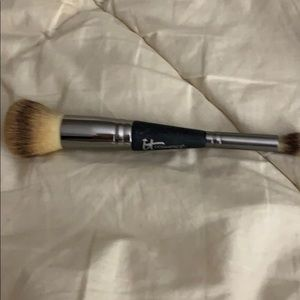 IT Cosmetics Complexion Perfection #7 Brush